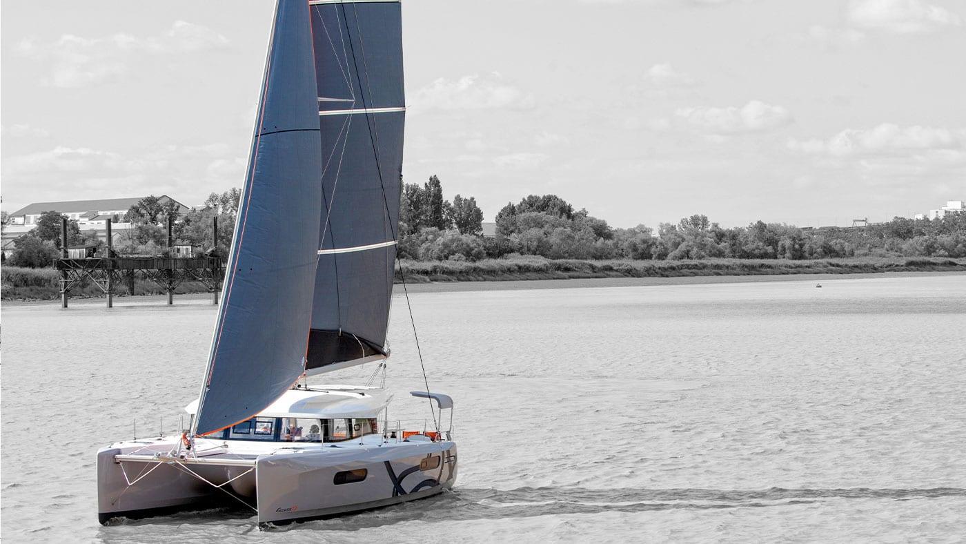 Catamarano beneteau Excess-12, Locazione e Noleggio, Crociera alla Cabina - Cabincharter.it